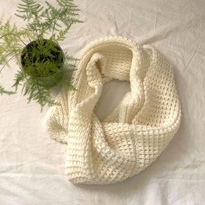 JACOB White Knit Infinity Circle Scarf
